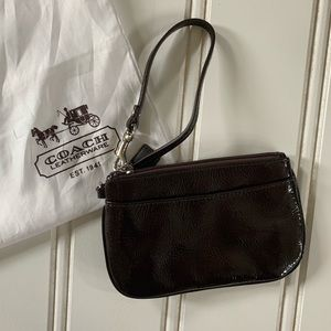 NWOT - Coach Patent Leather Wristlet